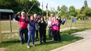 Die neuen Nordic Walking Kurse mit Beate Pracht beginnen ab März 2016 (AOK); Foto von einer Teilnehmerin