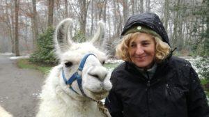 Beate Pracht und Lama Dancer im Schnee