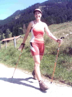 "Nordic Walking Trainerin Beate Pracht in ""Aktion"""