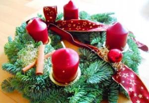 DSCN9806_Adventskranz_weihnachtliche Lama-Erlebnisse für Familien_Prachtlamas_kleiner