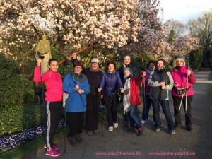 Nordic Walking Gruppe mit Beate Pracht vom AOK-Kurs Gelsenkirchen